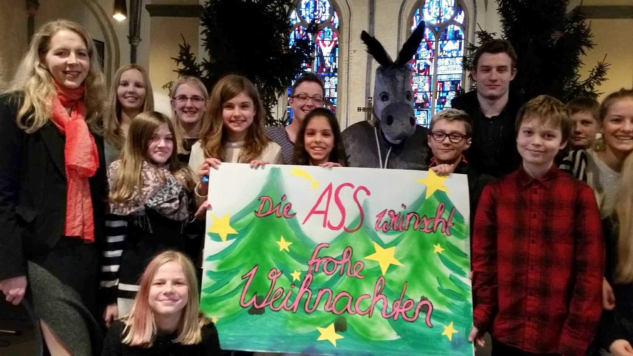 Die Albert-Schweitzer-Schule feiert Weihnachtsgottesdienst in der Martinskirche