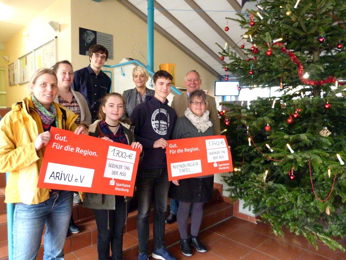 Soziales Engagement an ASS sorgt für vorweihnachtliche Bescherung