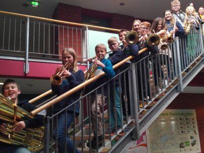 """Bläsergruppe der ASS probt musikalischen Seegang der Titanic am Steinhuder Meer zum Klang der """"Trommeln von Corona"""""""
