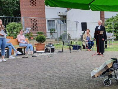 Andacht im DRK Altenzentrum mit musikalischer Beteiligung der Albert-Schweitzer-Schule